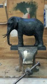burney bavelaar - bijzondere urn - olifant 3